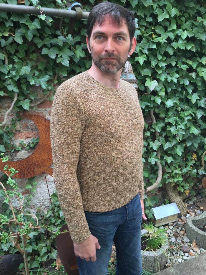 Oolong knitted by Konrad