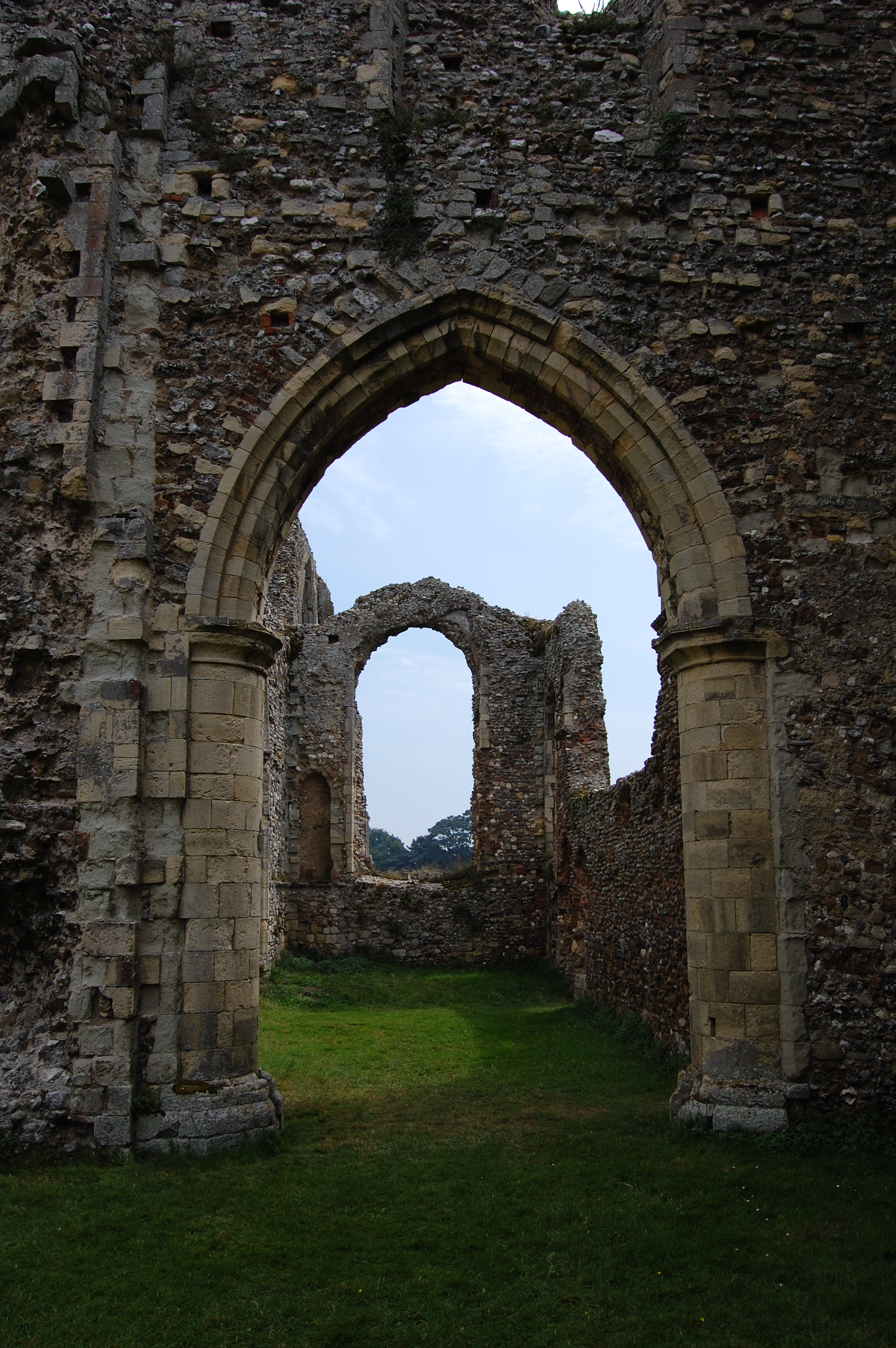 By Dave Briggs (originally posted to Flickr as Leiston Abbey) [CC BY-SA 2.0 (http://creativecommons.org/licenses/by-sa/2.0)], via Wikimedia Commons